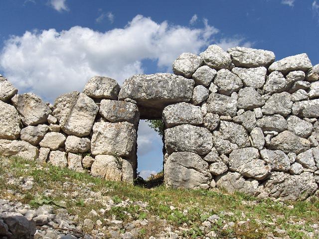 A Monte Pallano, Tornareccio, regina del miele e dei mosaici ed Atessa tra leggende e convento